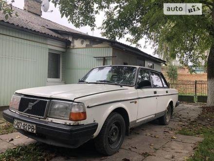 Білий Вольво 240, об'ємом двигуна 0 л та пробігом 315 тис. км за 2000 $, фото 1 на Automoto.ua