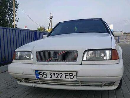 Белый Вольво 440, объемом двигателя 1.8 л и пробегом 255 тыс. км за 2000 $, фото 1 на Automoto.ua