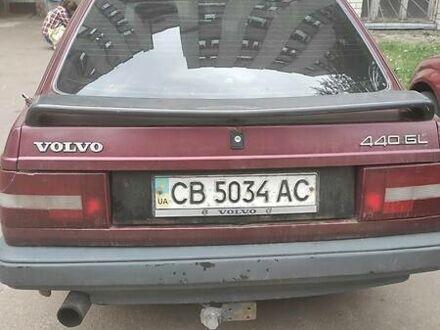 Червоний Вольво 440, об'ємом двигуна 1.6 л та пробігом 400 тис. км за 1500 $, фото 1 на Automoto.ua