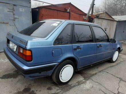Синий Вольво 440, объемом двигателя 1.7 л и пробегом 310 тыс. км за 900 $, фото 1 на Automoto.ua