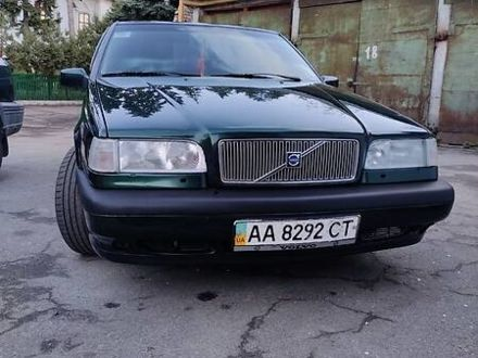 Зеленый Вольво 850, объемом двигателя 2.3 л и пробегом 320 тыс. км за 4800 $, фото 1 на Automoto.ua