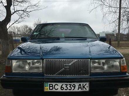 Синий Вольво 960, объемом двигателя 2.4 л и пробегом 280 тыс. км за 4900 $, фото 1 на Automoto.ua