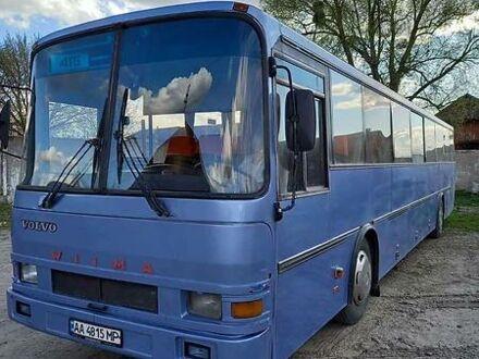 Синий Вольво Б, объемом двигателя 9.6 л и пробегом 340 тыс. км за 6800 $, фото 1 на Automoto.ua