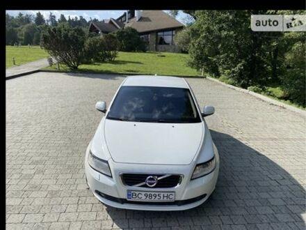 Белый Вольво С40, объемом двигателя 2 л и пробегом 135 тыс. км за 9444 $, фото 1 на Automoto.ua