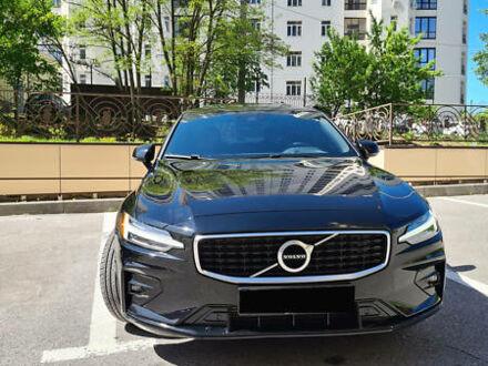 Черный Вольво С60, объемом двигателя 2 л и пробегом 22 тыс. км за 47600 $, фото 1 на Automoto.ua