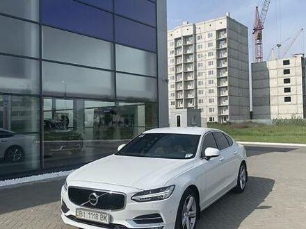 Белый Вольво С90, объемом двигателя 2 л и пробегом 68 тыс. км за 35000 $, фото 1 на Automoto.ua