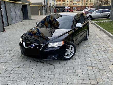 Чорний Вольво V50, об'ємом двигуна 2 л та пробігом 262 тис. км за 8300 $, фото 1 на Automoto.ua