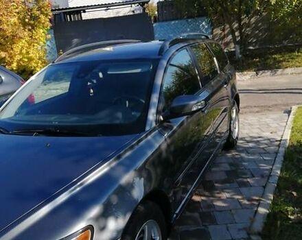 Серый Вольво В50, объемом двигателя 1.6 л и пробегом 193 тыс. км за 7800 $, фото 1 на Automoto.ua