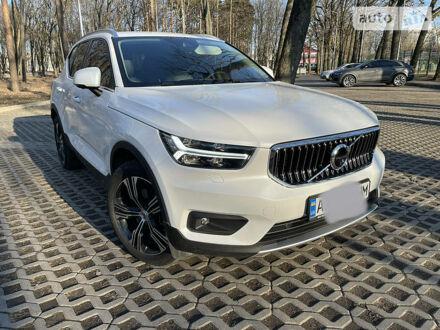 Білий Вольво XC40, об'ємом двигуна 2 л та пробігом 60 тис. км за 35000 $, фото 1 на Automoto.ua