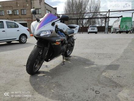 Серый Ямаха Р1, объемом двигателя 1 л и пробегом 56 тыс. км за 4499 $, фото 1 на Automoto.ua