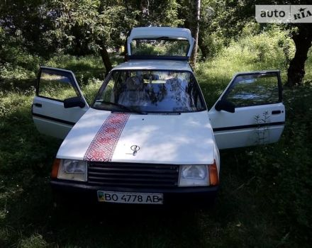 Белый ЗАЗ 1102 Таврия, объемом двигателя 1.2 л и пробегом 25 тыс. км за 1000 $, фото 1 на Automoto.ua