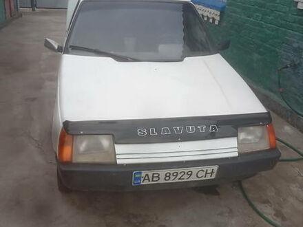Белый ЗАЗ 1105 Дана, объемом двигателя 1.2 л и пробегом 100 тыс. км за 900 $, фото 1 на Automoto.ua