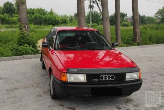 Красный Ауди 80, объемом двигателя 1.6 л и пробегом 380 тыс. км за 2350 $, фото 1 на Automoto.ua