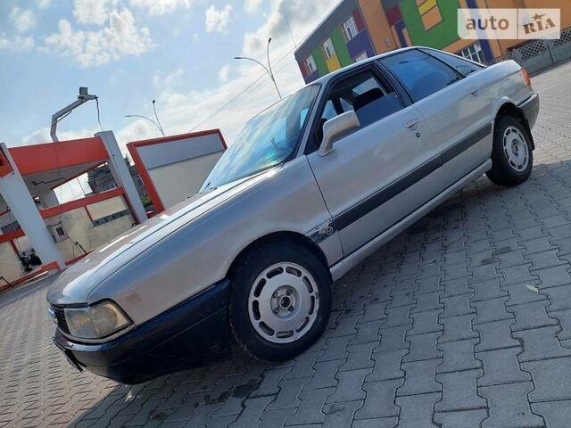 Серый Ауди 80, объемом двигателя 1.8 л и пробегом 380 тыс. км за 1800 $, фото 1 на Automoto.ua