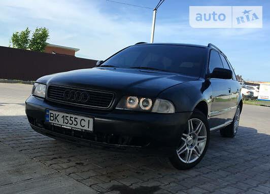 Черный Ауди А4, объемом двигателя 1.9 л и пробегом 383 тыс. км за 5000 $, фото 1 на Automoto.ua