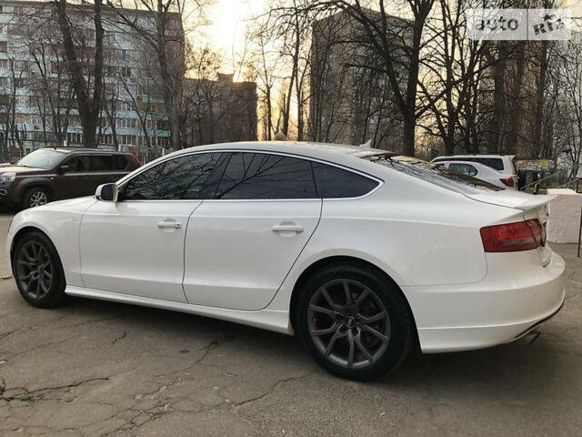 Белый Ауди А5, объемом двигателя 2 л и пробегом 155 тыс. км за 15700 $, фото 1 на Automoto.ua