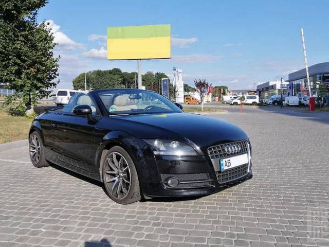 Черный Ауди ТТ, объемом двигателя 1.8 л и пробегом 132 тыс. км за 12500 $, фото 1 на Automoto.ua