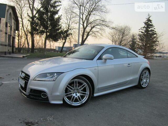 Срібний Ауді TT, об'ємом двигуна 2 л та пробігом 43 тис. км за 30990 $, фото 1 на Automoto.ua