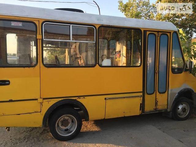 Желтый БАЗ 2215, объемом двигателя 2.9 л и пробегом 500 тыс. км за 1800 $, фото 1 на Automoto.ua