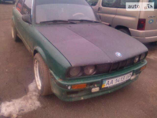 Зеленый БМВ 318, объемом двигателя 1.8 л и пробегом 50 тыс. км за 1800 $, фото 1 на Automoto.ua