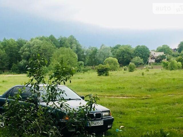 Зеленый БМВ 318, объемом двигателя 0 л и пробегом 360 тыс. км за 4900 $, фото 1 на Automoto.ua