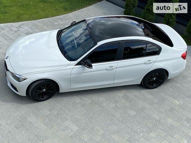 Белый БМВ 320, объемом двигателя 2 л и пробегом 79 тыс. км за 16300 $, фото 1 на Automoto.ua