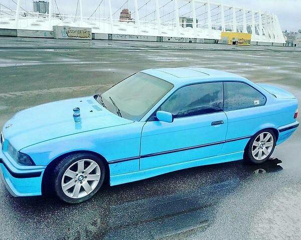 Синій БМВ 325, об'ємом двигуна 2.5 л та пробігом 400 тис. км за 3800 $, фото 1 на Automoto.ua
