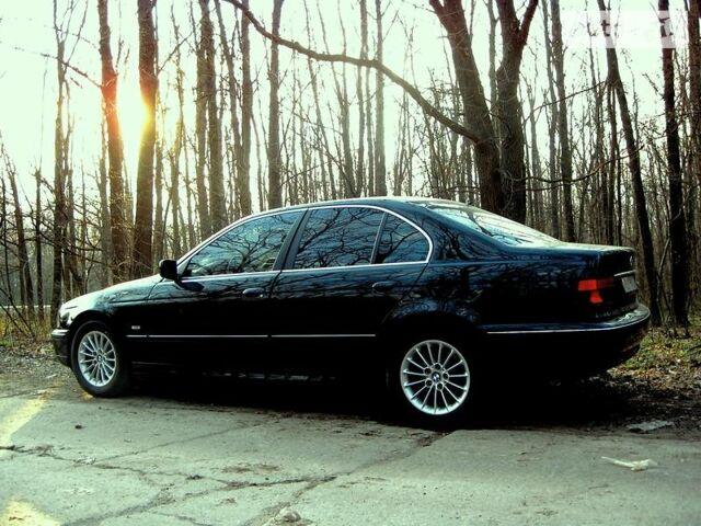 Черный БМВ 520, объемом двигателя 2 л и пробегом 160 тыс. км за 10000 $, фото 1 на Automoto.ua