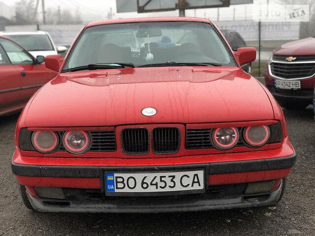 Красный БМВ 520, объемом двигателя 2 л и пробегом 350 тыс. км за 3199 $, фото 1 на Automoto.ua