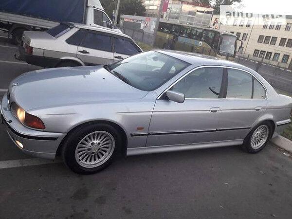Серебряный БМВ 528, объемом двигателя 2.8 л и пробегом 249 тыс. км за 2587 $, фото 1 на Automoto.ua