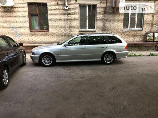 Срібний БМВ 530, об'ємом двигуна 3 л та пробігом 340 тис. км за 3999 $, фото 1 на Automoto.ua