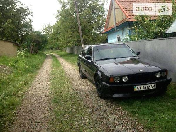 Черный БМВ 535, объемом двигателя 2.5 л и пробегом 202 тыс. км за 2700 $, фото 1 на Automoto.ua