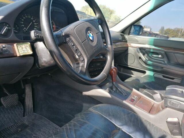 Зеленый БМВ 7 Серия, объемом двигателя 4.4 л и пробегом 400 тыс. км за 3950 $, фото 1 на Automoto.ua