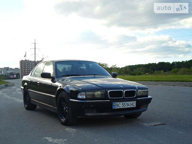 Черный БМВ 735, объемом двигателя 3.5 л и пробегом 330 тыс. км за 4888 $, фото 1 на Automoto.ua