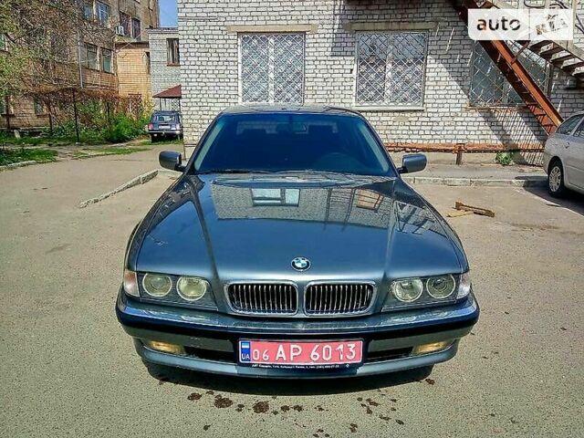 Серый БМВ 735, объемом двигателя 3.5 л и пробегом 290 тыс. км за 6900 $, фото 1 на Automoto.ua