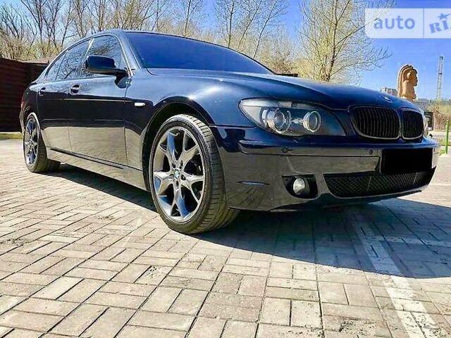 Чорний БМВ 750, об'ємом двигуна 4.8 л та пробігом 217 тис. км за 12900 $, фото 1 на Automoto.ua