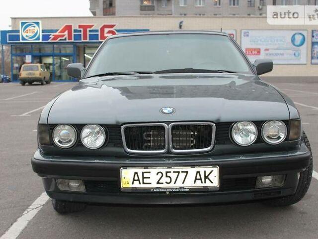 Сірий БМВ 750, об'ємом двигуна 5.4 л та пробігом 271 тис. км за 3500 $, фото 1 на Automoto.ua