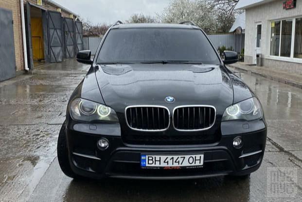 Черный БМВ Х5, объемом двигателя 3 л и пробегом 170 тыс. км за 18000 $, фото 1 на Automoto.ua