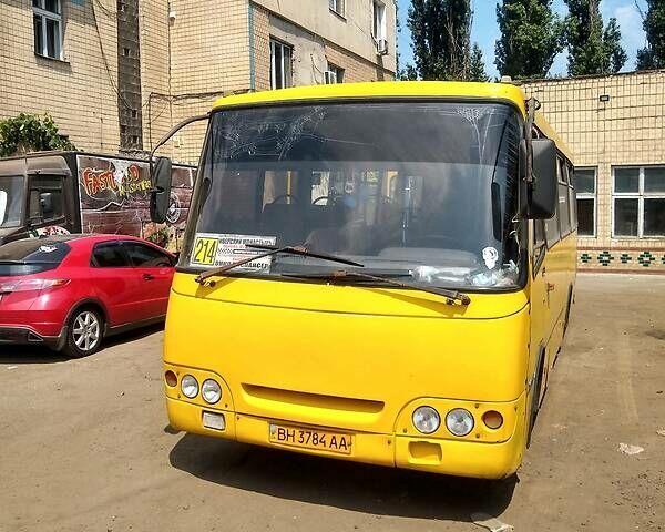 Желтый Богдан А-09202, объемом двигателя 4.6 л и пробегом 607 тыс. км за 4900 $, фото 1 на Automoto.ua