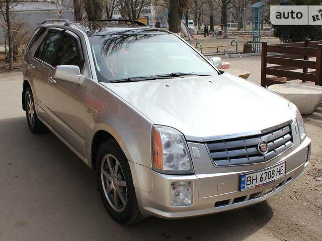 Серебряный Кадиллак СРХ, объемом двигателя 4.6 л и пробегом 150 тыс. км за 15400 $, фото 1 на Automoto.ua