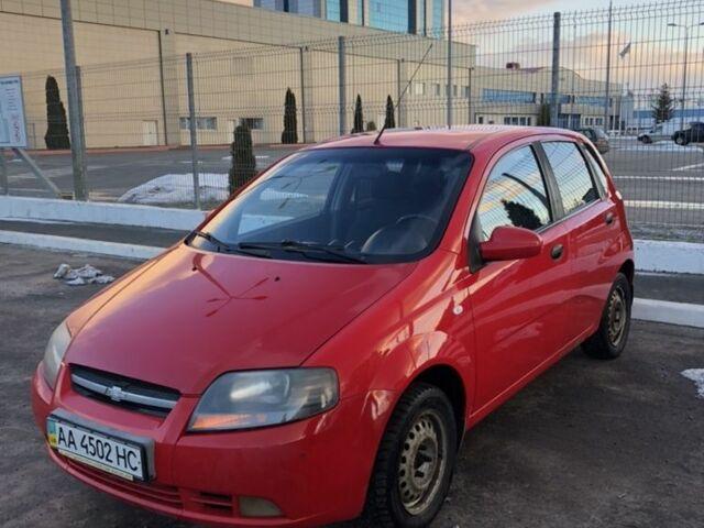 Красный Шевроле Авео, объемом двигателя 1.5 л и пробегом 270 тыс. км за 4500 $, фото 1 на Automoto.ua