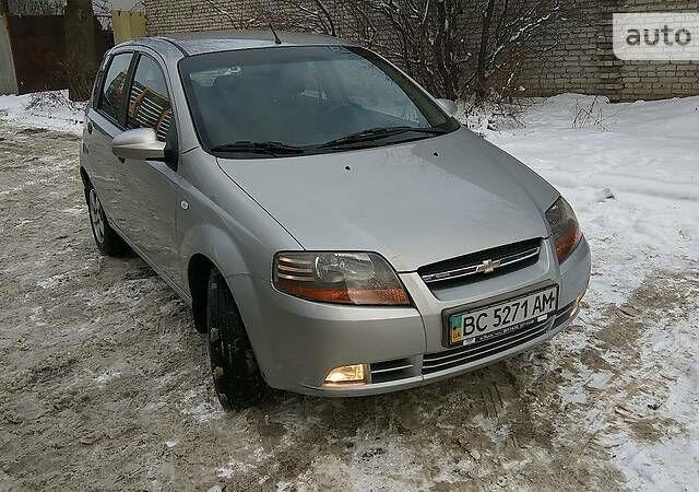 Серый Шевроле Авео, объемом двигателя 1.5 л и пробегом 95 тыс. км за 4800 $, фото 1 на Automoto.ua