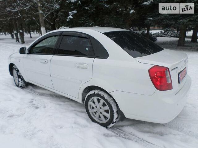 Белый Шевроле Лачетти, объемом двигателя 0 л и пробегом 43 тыс. км за 8000 $, фото 1 на Automoto.ua