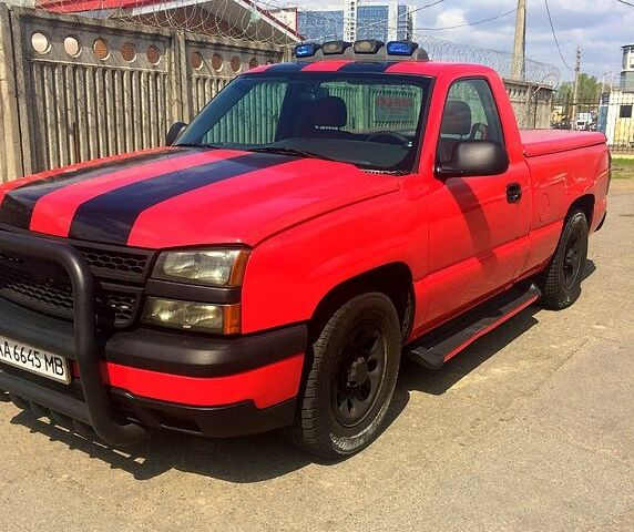 Красный Шевроле Сильверадо, объемом двигателя 4.3 л и пробегом 184 тыс. км за 8900 $, фото 1 на Automoto.ua
