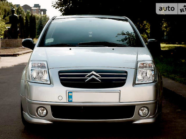 Срібний Сітроен С2, об'ємом двигуна 1.4 л та пробігом 63 тис. км за 6000 $, фото 1 на Automoto.ua