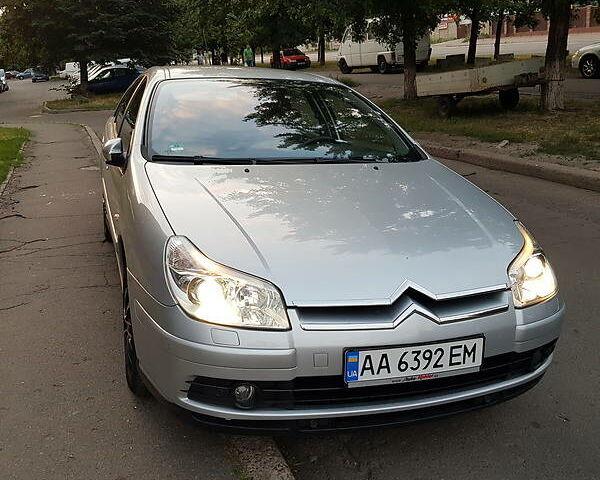 Сірий Сітроен С5, об'ємом двигуна 2 л та пробігом 265 тис. км за 5999 $, фото 1 на Automoto.ua