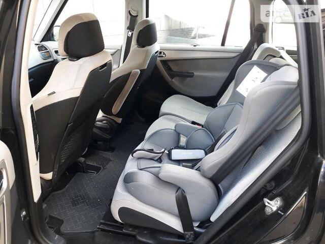Черный Ситроен Гранд С4 Пикассо, объемом двигателя 1.6 л и пробегом 280 тыс. км за 6300 $, фото 1 на Automoto.ua