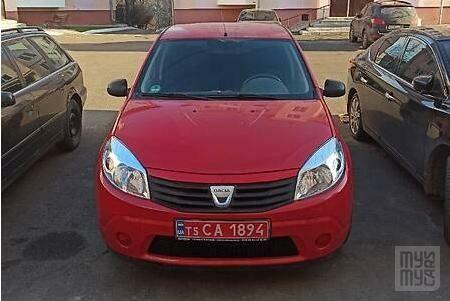 Красный Дачия Сандеро, объемом двигателя 1.4 л и пробегом 112 тыс. км за 4700 $, фото 1 на Automoto.ua