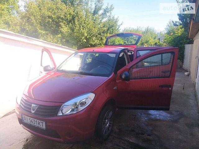 Красный Дачия Сандеро, объемом двигателя 1.1 л и пробегом 72 тыс. км за 5650 $, фото 1 на Automoto.ua