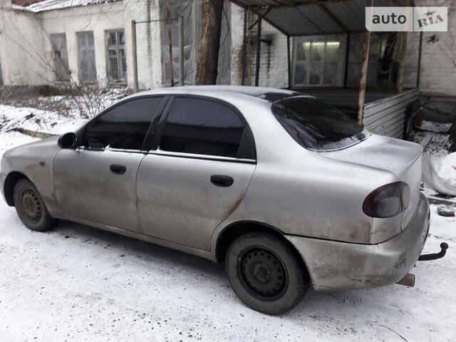 Серебряный Дэу Ланос, объемом двигателя 1.5 л и пробегом 299 тыс. км за 2500 $, фото 1 на Automoto.ua
